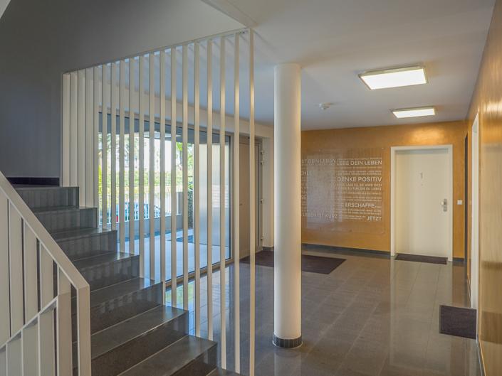 Eingang, Treppenhaus und FIRA®-Motto